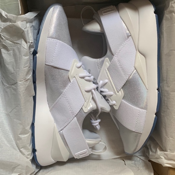 Women's Puma Muse Ice sneakers!!! NWT